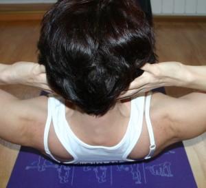 Exercitiu abdomen superior_din spate_4
