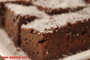 Prajitura moale cu ciocolata si banane2